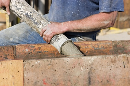 concreto: Fundaci�n trabajador de cemento vertido de construcci�n
