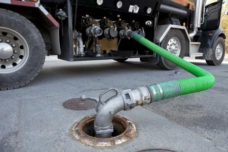camión cisterna: Cisterna de entrega de combustible