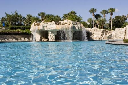 수영장의 물 가을