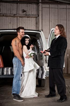predicador: Hillbilly de la boda (hombre sin camisa y la versión predicador) Foto de archivo