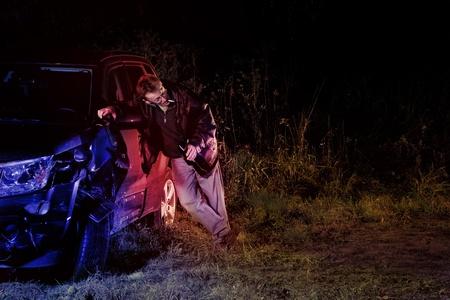 車の事故に酔って男ヒットと実行後警察によってキャッチ