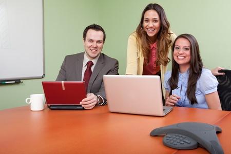 회의에 쾌활 한 비즈니스 팀 스톡 콘텐츠