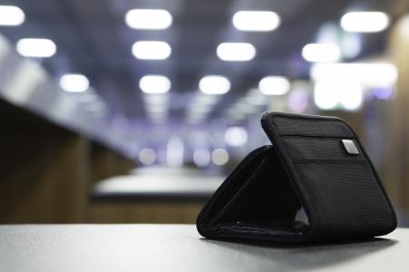 空港に無人荷物