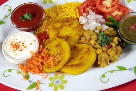 sev: Indredients of chaat served in a plate