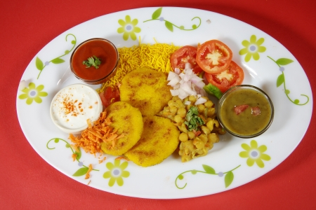 chaat: Ingredients of chaat served in a plate