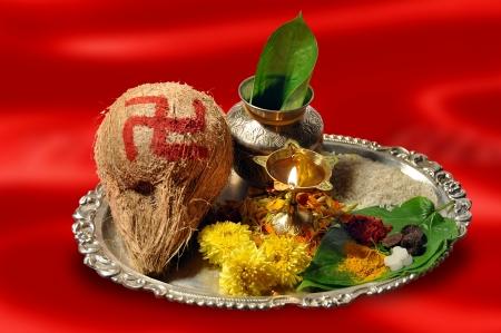 Traditionelle Pooja Thali