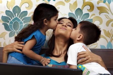 madre e hijo: Madre con sus hijos
