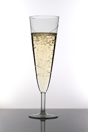 prickling: champagne glass with bubbles