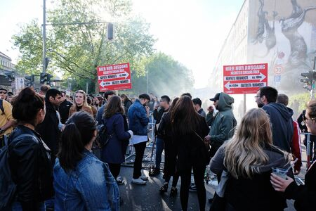 Berlin, Germany - May 1, 2018: Large crowd of people jamming in the oranienstrasse at the exit of Myfest in Kreuzberg. May Day in Berlin Kreuzberg refers to the street festivals and demonstrations. 報道画像
