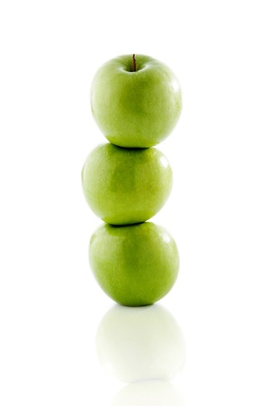 A stack of green apples LANG_EVOIMAGES