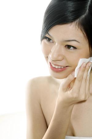 pulizia viso: Pulizia viso con cotone facciale Donna LANG_EVOIMAGES
