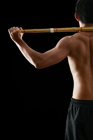 combative sport: Man practising the martial art of Kendo LANG_EVOIMAGES