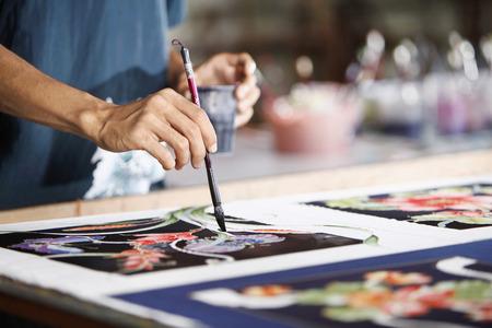batik: Man tissu peinture batik