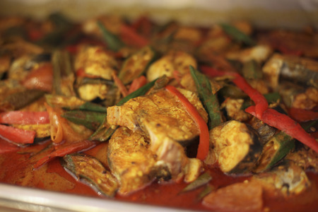 chafing dish: Fish curry with okras LANG_EVOIMAGES
