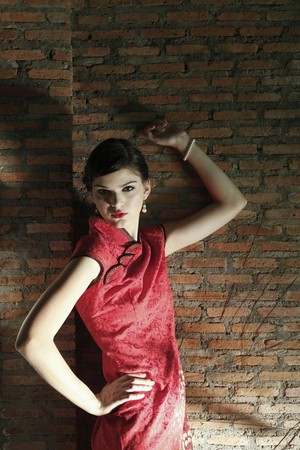 Woman in cheongsam posing Stock Photo - 7446963
