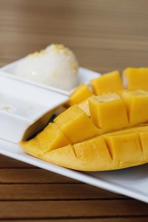 Sliced mango with sticky rice photo