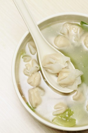 A bowl of chinese dumplings in clear soup Stock Photo - 8019883