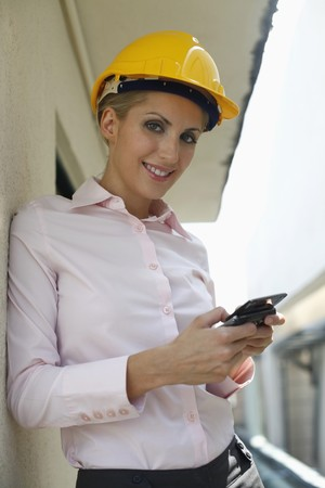 belarusian ethnicity: Mensajes en el tel�fono de texto de arquitecto femenina