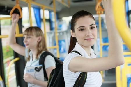 Women travelling in a bus Foto de archivo