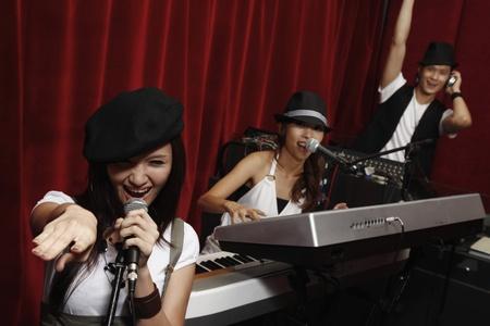pianista: Hombre y la mujer interferencia en estudio Foto de archivo