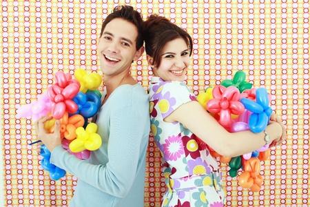 sculpted: Man en vrouw met gebeeldhouwde ballonnen