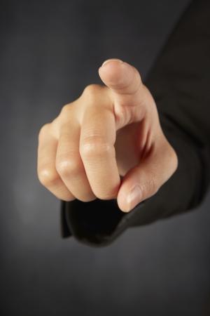 dedo indice: Dedo índice apuntando hacia delante Foto de archivo