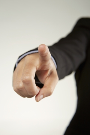 dedo indice: Persona extendiendo el dedo �ndice