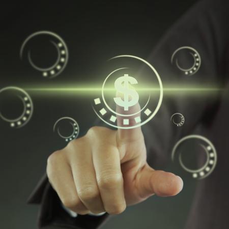 dedo indice: El dedo �ndice apuntando a un signo de d�lar