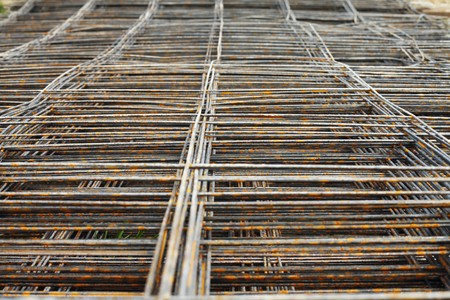 Foundation metal grid for building