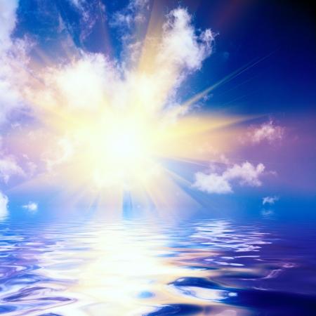 추상 일몰과 바다 표면
