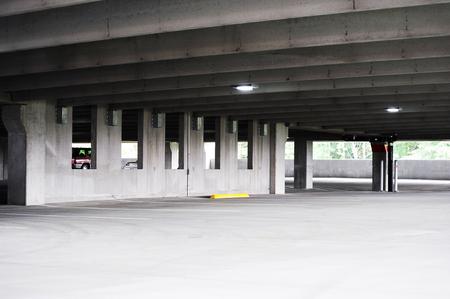 lege parkeerplaats inter Stockfoto