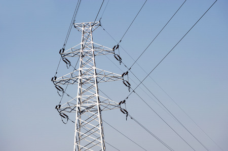 high voltage power tower Imagens