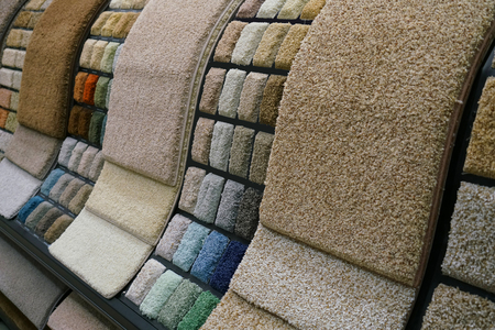 Colorful carpet samples in the store 免版税图像 - 92918559