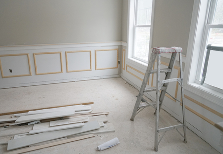 New house room interior in construction with equipment and materials on the floor 스톡 콘텐츠