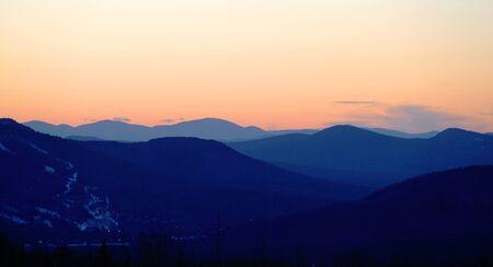 landscape of mountain range under dusk sunlight 版權商用圖片