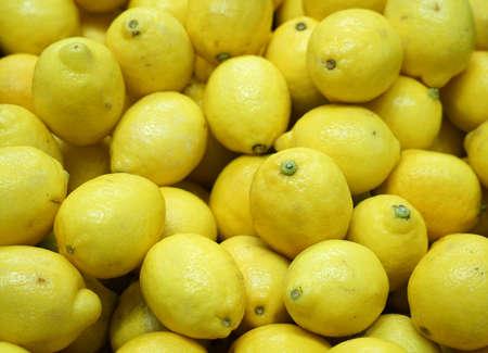 fresh yellow lemon pile as food background 免版税图像 - 159501863