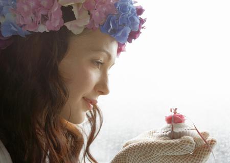 Bride holding sugar craft