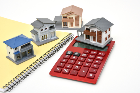 住宅モデルと計算機