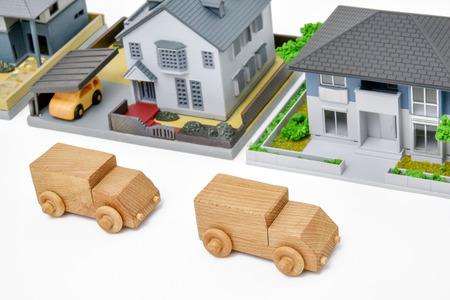 木造車やミニチュアの家 e コマース イメージ