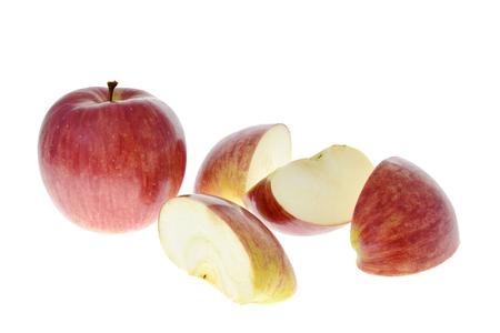 白い背景の上に赤いリンゴ分離されました。