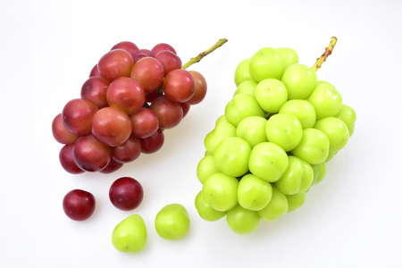 Ripe grapes-Named Shine Muscat (green) and Queen Nina (red)
