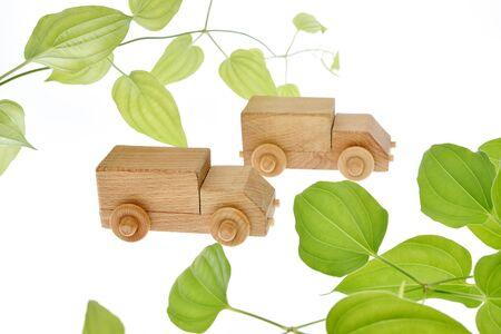 Eco car image, wooden truck 写真素材 - 132170845