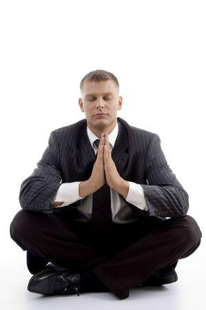 usługodawcy: przystojny usługodawca robi joga wyizolowanych na białym tle
