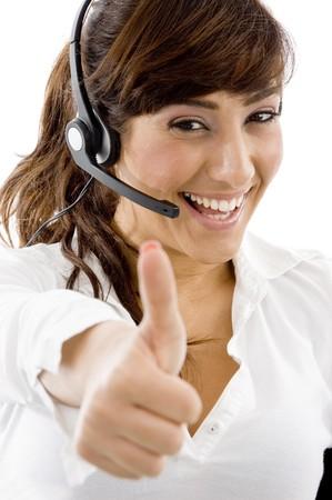 usługodawcy: przodu widok uśmiechniętych usługodawcy z thumbs up przed białym tle