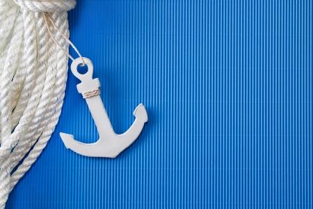 at anchor: Ancla de la nave - de anclaje o cuerda de salvamento como decoraciones mar�timas