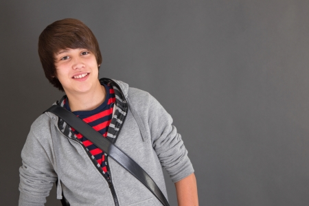 pubertad: Muchacho joven en la pubertad