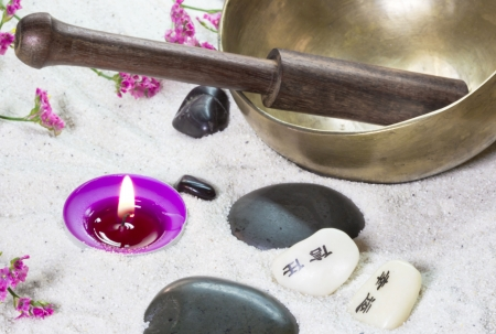 singing bowl: Spa arrangement with a singing bowl