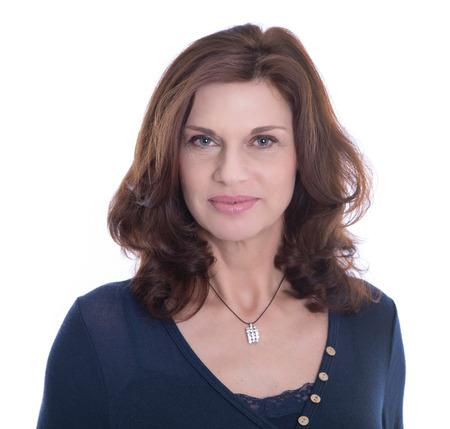 白い背景で隔離の女性シニア ビジネス マネージャー。