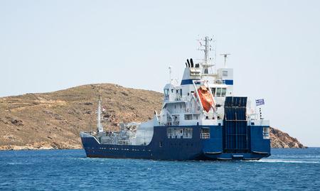 seafaring: Gas buque que trabaja en el oc�ano. Transporte por carretera en el agua. Elemento Marinera. Foto de archivo