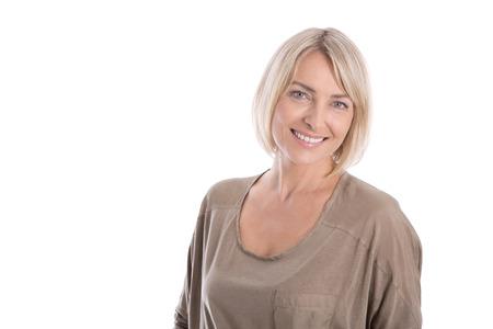 vejez feliz: Mujer joven bastante satisfecho aislado en camisa blanca que mira para arriba a texto.